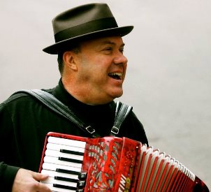 Gumbo Pete w accordion
