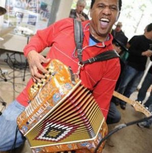 Dikki-Du-and-The-Zydeco-Krewe-at-Emmits-Place